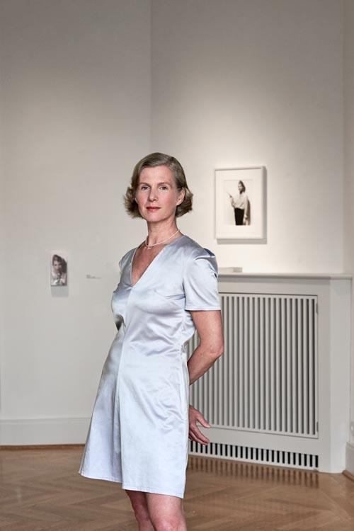 Ellen Kobe; Kuratorin; Küsntlerin; Artist; Ausstellung; Klasse Damen; Saskia Uppenkamp; Fotograf; Berlin; Portrait; Photographer