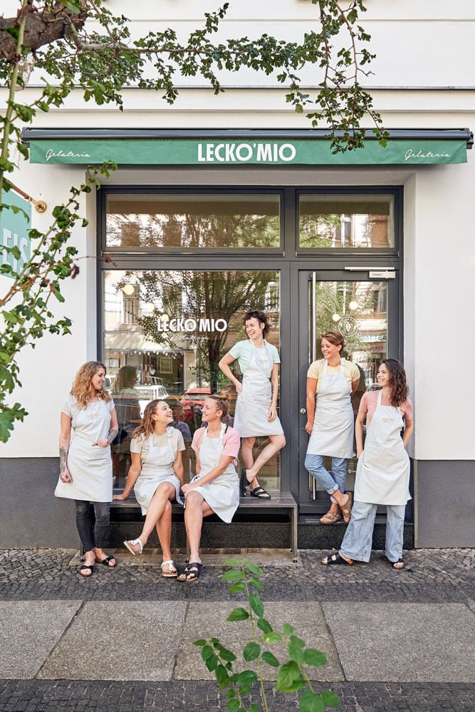 Team; 2020; Teamportraits; Saskia Uppenkamp; Fotograf; Berlin; Portrait; Photographer; Lecko Mio Gelateria; Eis; Ice Cream; kreuzberg; Gräfekiez; Best Ice Cream