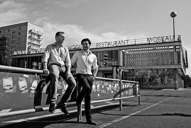 Monoqi; The Hundert Vol 06; startup; gründer; magazin; editorial; Saskia Uppenkamp; Portrait; Fotograf; Fotografin; Berlin; Friedrichshain; Studio; On Location; Reportage